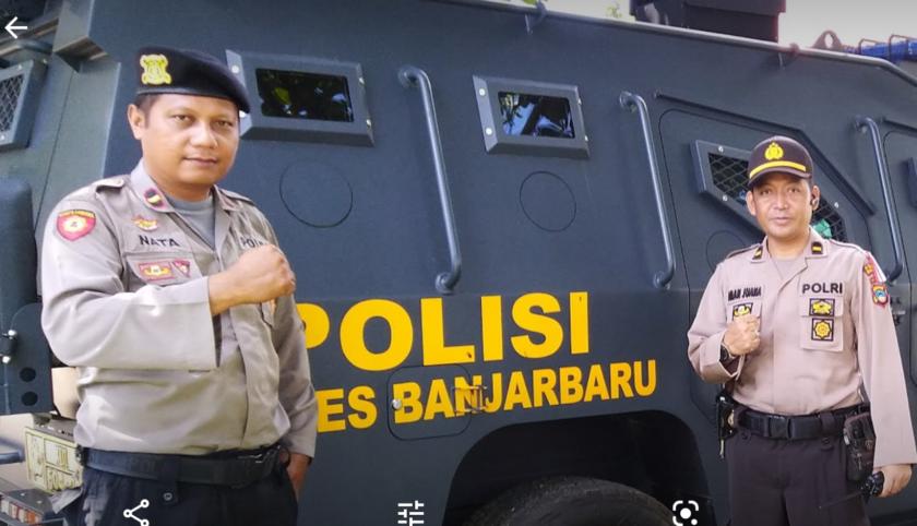 TIGA MOBIL POLISI DIPAMERKAN